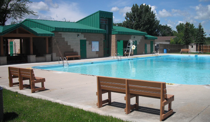 Morris swimming pool town of morris for Morris il public swimming pool